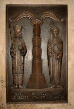 Bronze représentant Charles le Grand comme un représentant de la puissance séculière, Saintt. Sturmius comme un homme d'église, et L'Irminsul comme un symbole du paganisme.-  photo Robert Berhorst